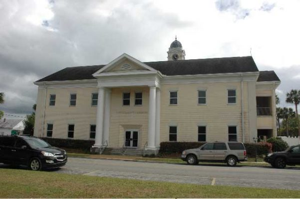 Lafayette courthouse